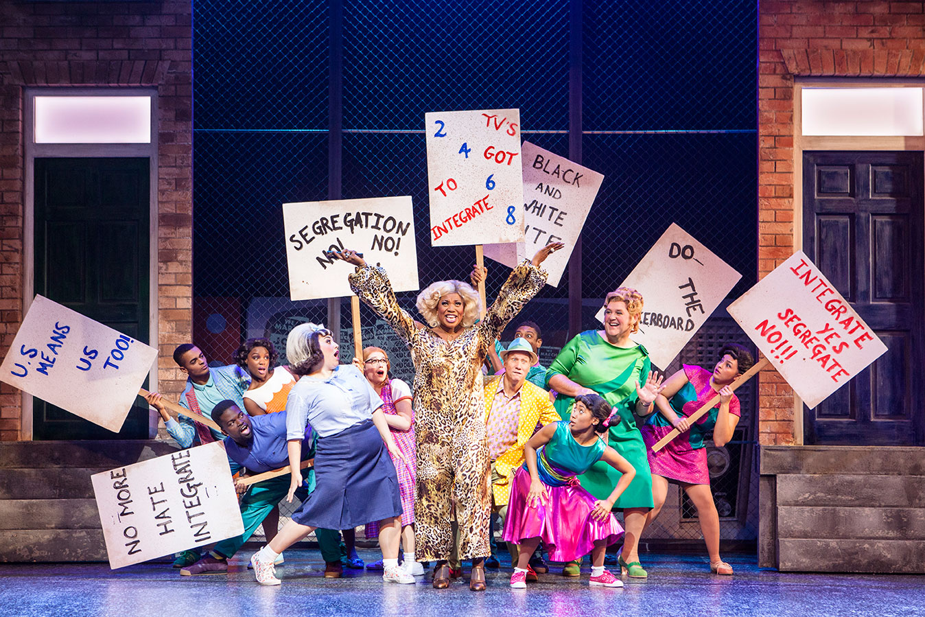 """hairspray musical The musical """"hairspray"""" wowed broadway in the summer 2002 and went on to win eight tony awards, including the top trophy for new musical based on the 1988 john waters movie that starred a young ricki lake, the 1960s-set musical centers on zaftig teen tracy, whose quest to appear on the """"american bandstand""""-like """"corny collins show ."""