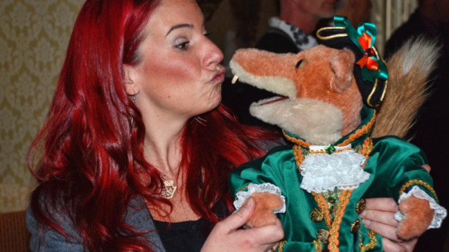 Kissing Basil Brush