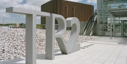 TR2 Sign